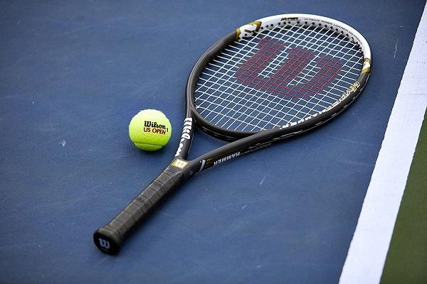 Wilson Hyper Hammer Tennis Racket (With Price & Buying Hints)